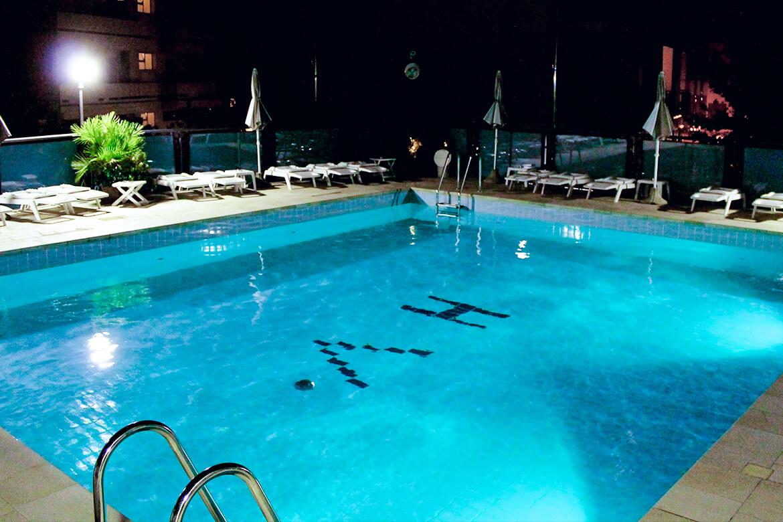 Hotel verona albergo a cesenatico for Piscina rialzata